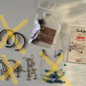 3 x earrings